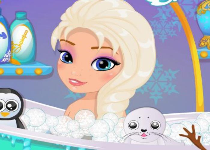 Elsa reine des neiges se lave
