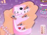 Une main à manucurer, un téléphone à décorer